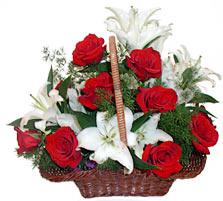 sepette gül ve kazablankalar   Uşak çiçekçi mağazası
