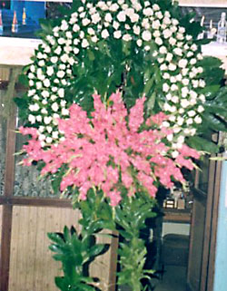 Cenaze çelenk , cenaze çiçekleri , çelengi  Uşak internetten çiçek satışı