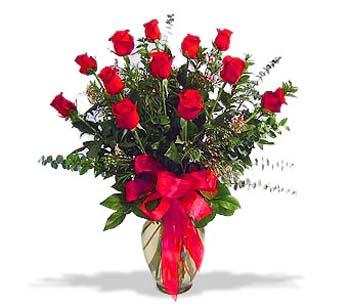 çiçek siparisi 11 adet kirmizi gül cam vazo  Uşak online çiçek gönderme sipariş