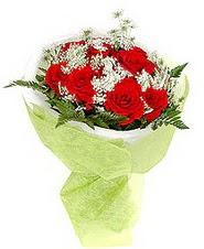 Uşak çiçek , çiçekçi , çiçekçilik  7 adet kirmizi gül buketi tanzimi