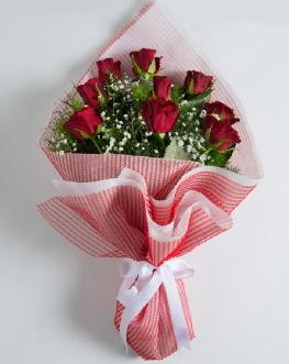 9 adet kırmızı gülden buket  Uşak çiçek satışı