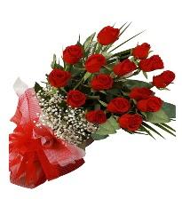 15 kırmızı gül buketi sevgiliye özel  Uşak çiçek gönderme sitemiz güvenlidir