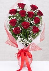 11 kırmızı gülden buket çiçeği  Uşak 14 şubat sevgililer günü çiçek