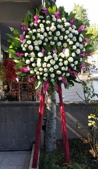 Uşak internetten çiçek siparişi  Cenaze Çelengi  Uşak çiçek siparişi sitesi