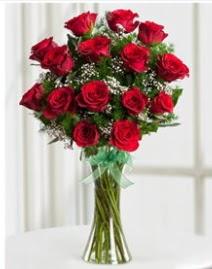 Cam vazo içerisinde 11 kırmızı gül vazosu  Uşak anneler günü çiçek yolla