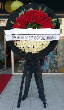 Cenaze çiçek modeli  Uşak çiçek siparişi sitesi