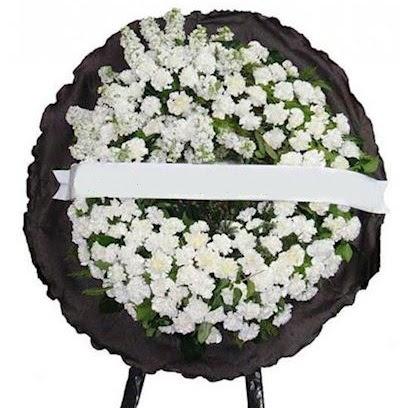 Cenaze çelengi çiçeği modelleri  Uşak internetten çiçek satışı