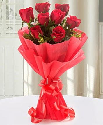 9 adet kırmızı gülden modern buket  Uşak İnternetten çiçek siparişi