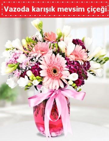 Vazoda karışık mevsim çiçeği  Uşak çiçek , çiçekçi , çiçekçilik