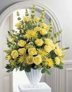Uşak çiçek siparişi sitesi  sari güllerden sebboy tanzim çiçek siparisi