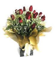 Uşak internetten çiçek siparişi  11 adet kirmizi gül  buketi