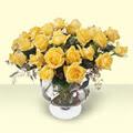 Uşak çiçekçi telefonları  11 adet sari gül cam yada mika vazo içinde