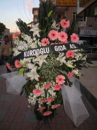 kazablanka,gerbera,sebboy ferforje  Uşak çiçekçi mağazası