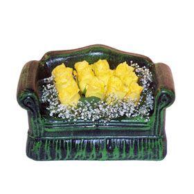 Seramik koltuk 12 sari gül   Uşak ucuz çiçek gönder