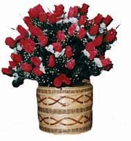 yapay kirmizi güller sepeti   Uşak kaliteli taze ve ucuz çiçekler