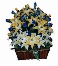 yapay karisik çiçek sepeti   Uşak çiçek gönderme
