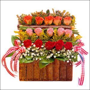 sandikta 3 kat güllerden   Uşak cicekciler , cicek siparisi