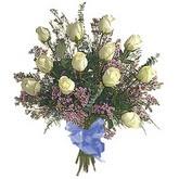 bir düzine beyaz gül buketi   Uşak çiçek gönderme sitemiz güvenlidir