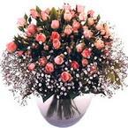 büyük cam fanusta güller   Uşak çiçek yolla