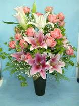 Uşak internetten çiçek satışı  cam vazo içerisinde 21 gül 1 kazablanka