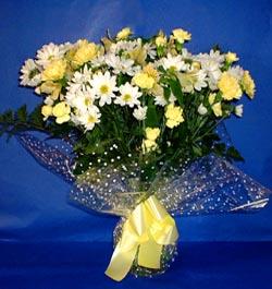 Uşak hediye çiçek yolla  sade mevsim demeti buketi sade ve özel