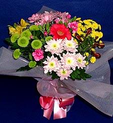 Uşak hediye çiçek yolla  küçük karisik mevsim demeti