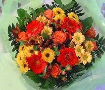 Uşak ucuz çiçek gönder  sade hos orta boy karisik demet çiçek