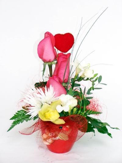 Uşak ucuz çiçek gönder  cam içerisinde 3 adet gül ve kir çiçekleri