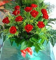 12 adet gül buketi  Uşak anneler günü çiçek yolla