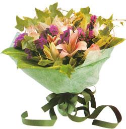 karisik mevsim buketi anneler günü ve sevilenlere  Uşak çiçekçi mağazası