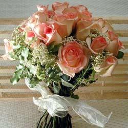 12 adet sonya gül buketi    Uşak çiçek gönderme