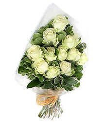 Uşak online çiçekçi , çiçek siparişi  12 li beyaz gül buketi.