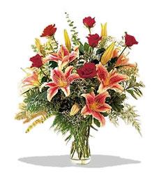 Uşak çiçek servisi , çiçekçi adresleri  Pembe Lilyum ve Gül