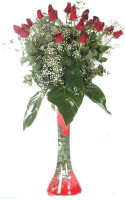 Uşak uluslararası çiçek gönderme  19 ADET GÜL VE FIL CAM AYAGI