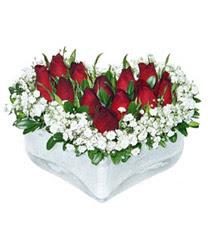 Uşak internetten çiçek siparişi  mika kalp içerisinde 9 adet kirmizi gül