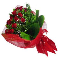 Uşak kaliteli taze ve ucuz çiçekler  12 adet kirmizi essiz gül buketi - SEVENE ÖZEL