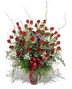 Uşak çiçek siparişi sitesi  33 adet kirmizi gül vazo içerisinde