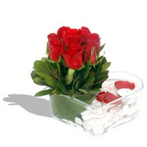 Mika kalp içerisinde 9 adet kirmizi gül  Uşak çiçek servisi , çiçekçi adresleri