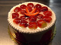 Meyvali yas pasta 4 ile 6 kisilik pasta  Uşak çiçek siparişi sitesi