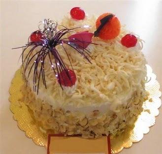 pasta siparisi 4 ile 6 kisilik yaspasta mis lezzette  Uşak çiçekçi telefonları