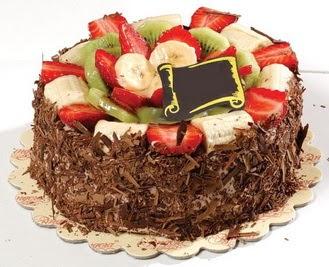 pastaci firmasindan 4 ile 6 kisilik çikolata meyvali yaspasta  Uşak çiçek siparişi sitesi