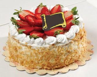 uygun pastaneler 4 ile 6 kisilik çilekli yas pasta lezzetli  Uşak çiçek siparişi vermek