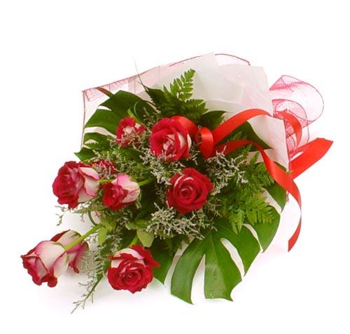 çiçek gönder 7 adet kirmizi gül buketi  Uşak kaliteli taze ve ucuz çiçekler