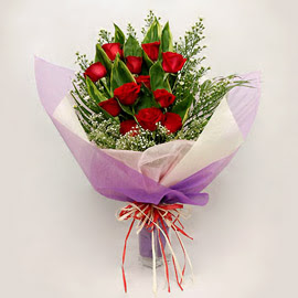 çiçekçi dükkanindan 11 adet gül buket  Uşak çiçekçi mağazası
