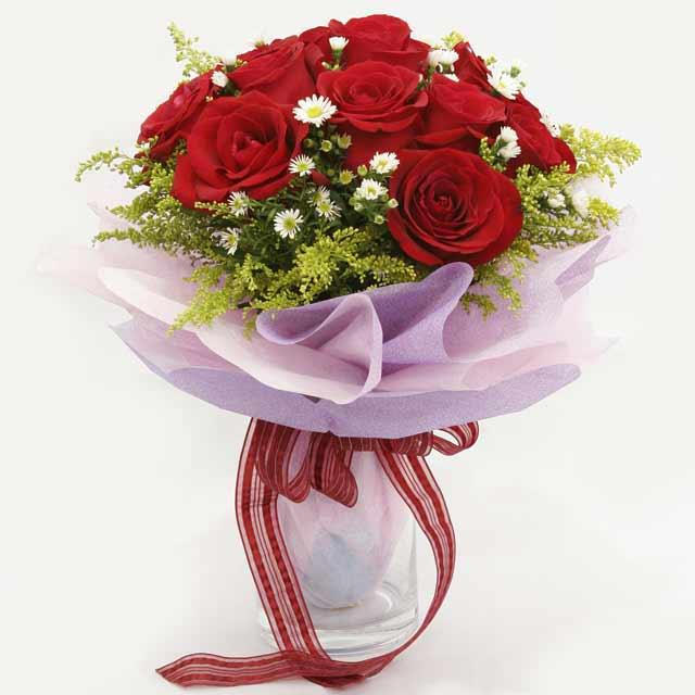 Çiçek gönderme estetikliginiz 11 gül buket  Uşak çiçekçi mağazası