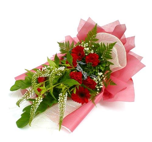 Karisik çiçek buketi mevsim buket  Uşak çiçek siparişi sitesi