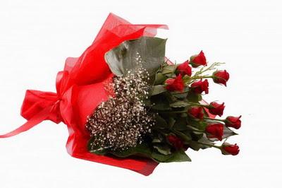 Uşak çiçek siparişi sitesi  11 adet kirmizi gül buketi çiçekçi