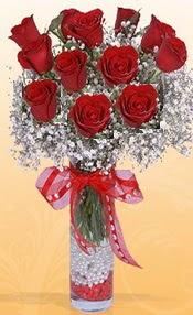 10 adet kirmizi gülden vazo tanzimi  Uşak çiçek siparişi sitesi