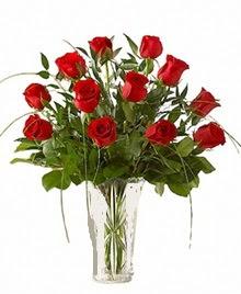 cam yada mika vazo içerisinde 9 kirmizi gül  Uşak çiçek siparişi sitesi