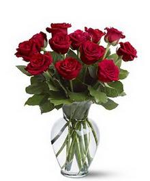Uşak çiçek gönderme sitemiz güvenlidir  cam yada mika vazoda 10 kirmizi gül